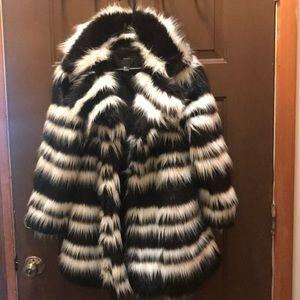Fur coat small forever 21